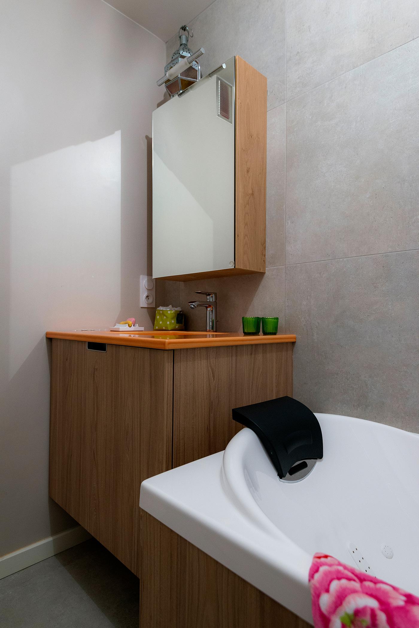 baignoire peu profonde suil est possible de laver remplir. Black Bedroom Furniture Sets. Home Design Ideas